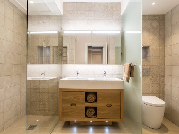 Blanchard House - tiled bathroom with ceilings painted in white