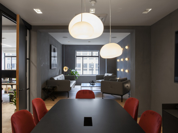 Commercial decorators in South London